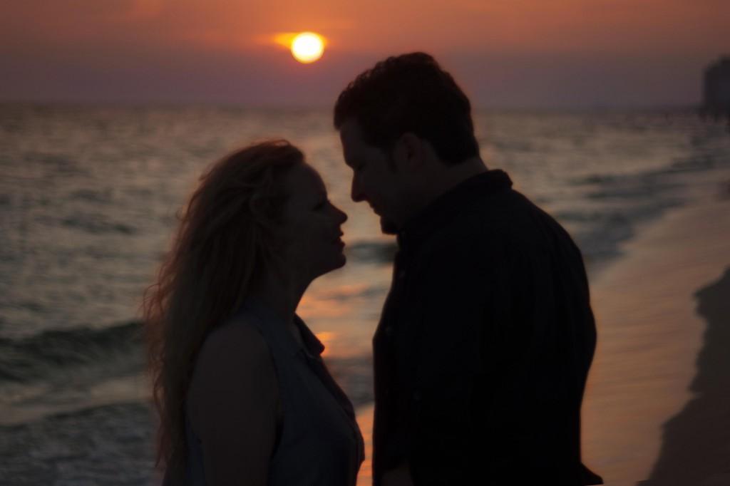 couple on the beach silhouette